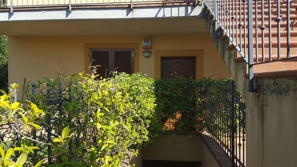 Appartamento in vendita a Carmignano, 3 locali, zona Zona: Comeana, Trattative riservate   CambioCasa.it