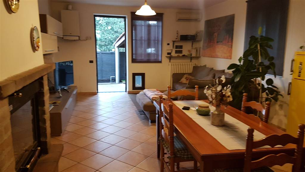 Soluzione Indipendente in vendita a Signa, 7 locali, prezzo € 360.000   CambioCasa.it