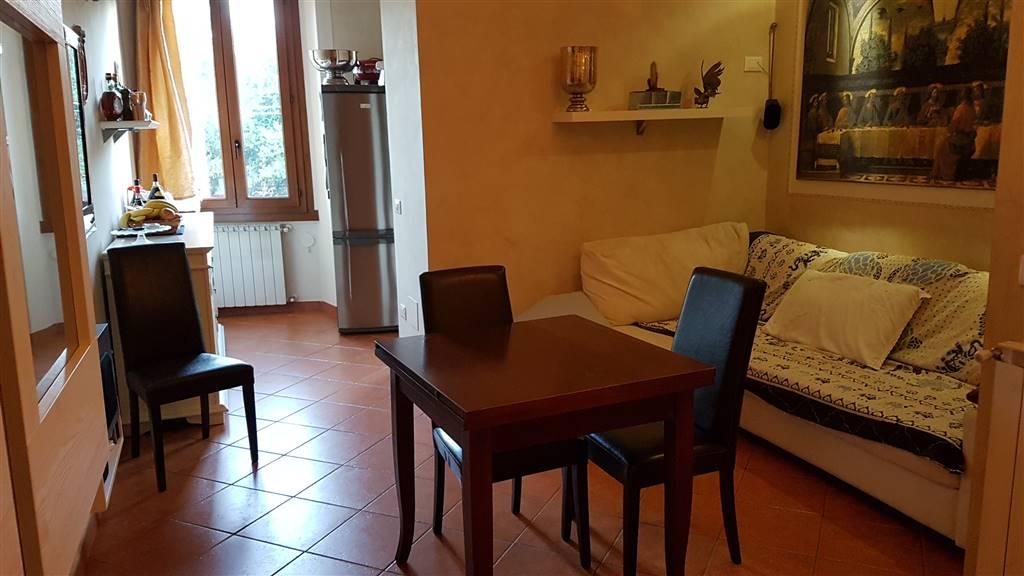 Appartamento in vendita a Signa, 4 locali, prezzo € 135.000   CambioCasa.it
