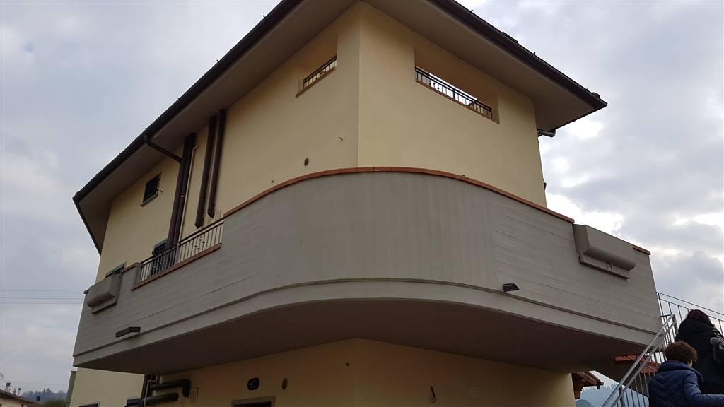 Villa in vendita a Carmignano, 4 locali, zona o, prezzo € 270.000   PortaleAgenzieImmobiliari.it