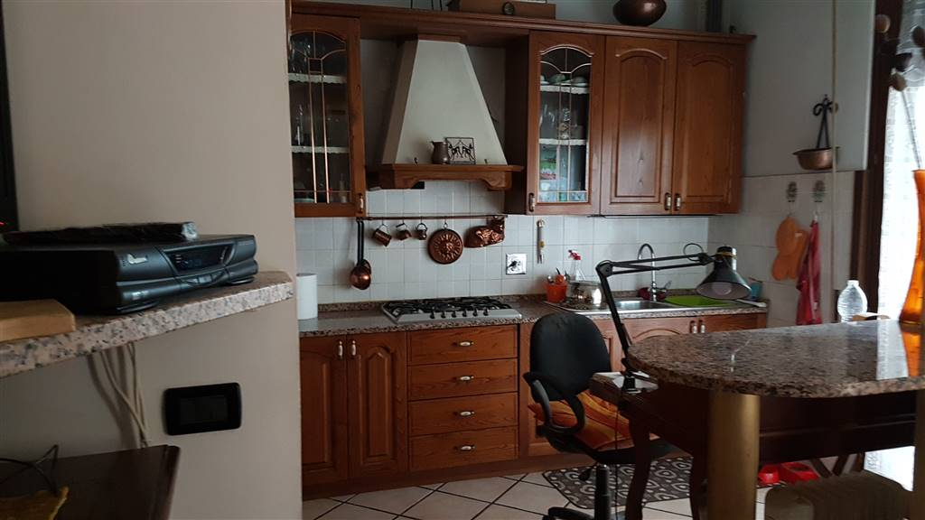 Appartamento in vendita a Firenze, 4 locali, zona Zona: 14 . Sorgane, La Rondinella, Bellariva, Gavinana, Firenze Sud, Europa, prezzo € 200.000 | CambioCasa.it