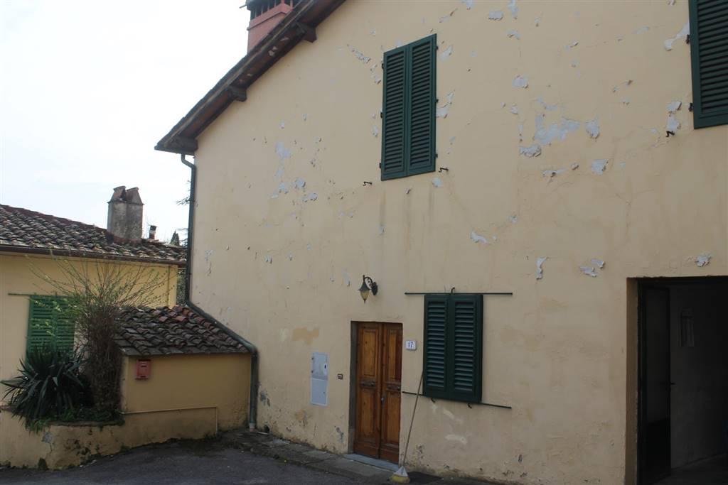 Soluzione Indipendente in affitto a Signa, 6 locali, prezzo € 900   CambioCasa.it