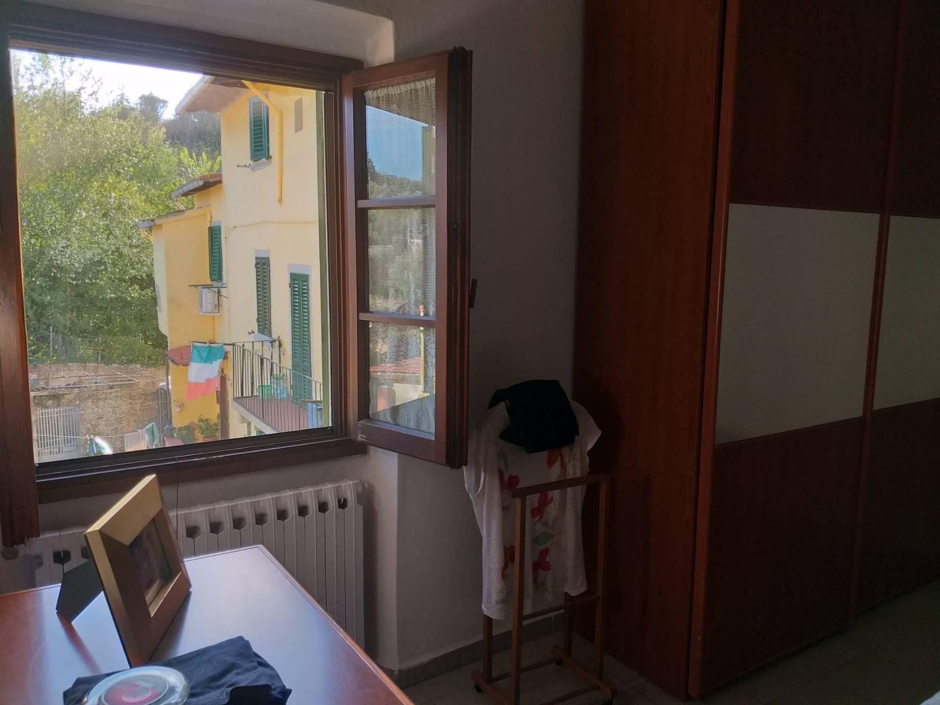 Soluzione Indipendente in vendita a Lastra a Signa, 3 locali, zona Zona: Porto di Mezzo, prezzo € 135.000   CambioCasa.it