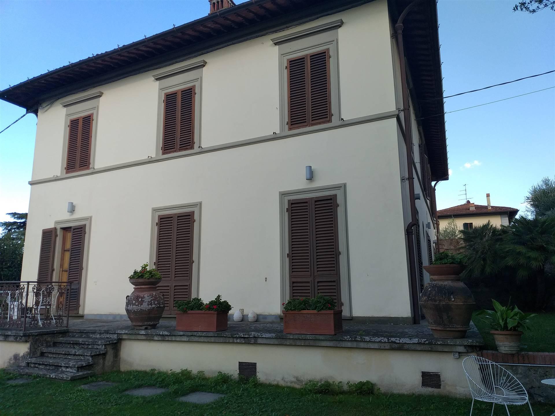 Villa in Vendita a Lastra a Signa