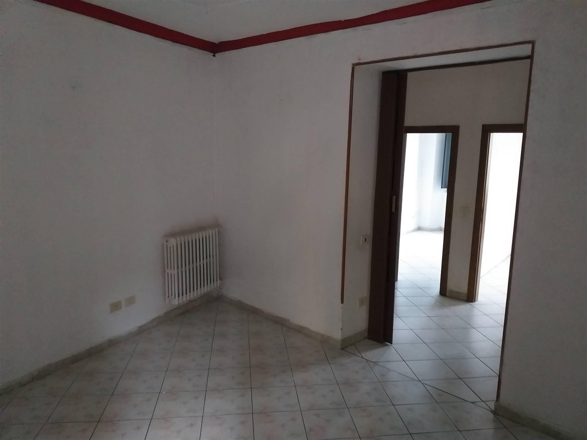 Appartamento in vendita a Lastra a Signa, 3 locali, prezzo € 85.000   CambioCasa.it