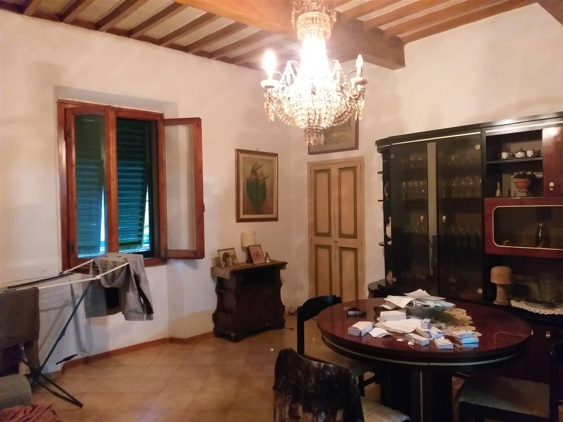 Soluzione Indipendente in vendita a Lastra a Signa, 9 locali, zona Zona: Ponte a Signa, prezzo € 360.000   CambioCasa.it