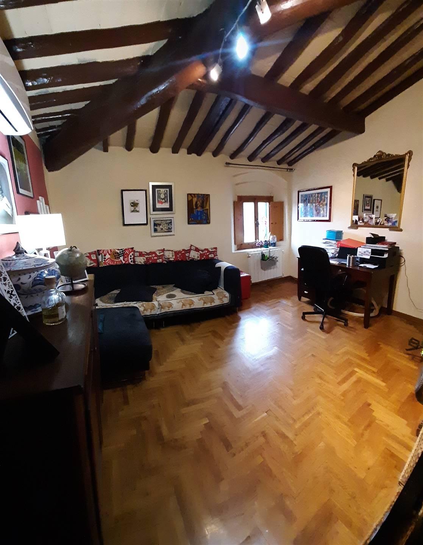 Appartamento in vendita a Lastra a Signa, 4 locali, prezzo € 185.000   CambioCasa.it