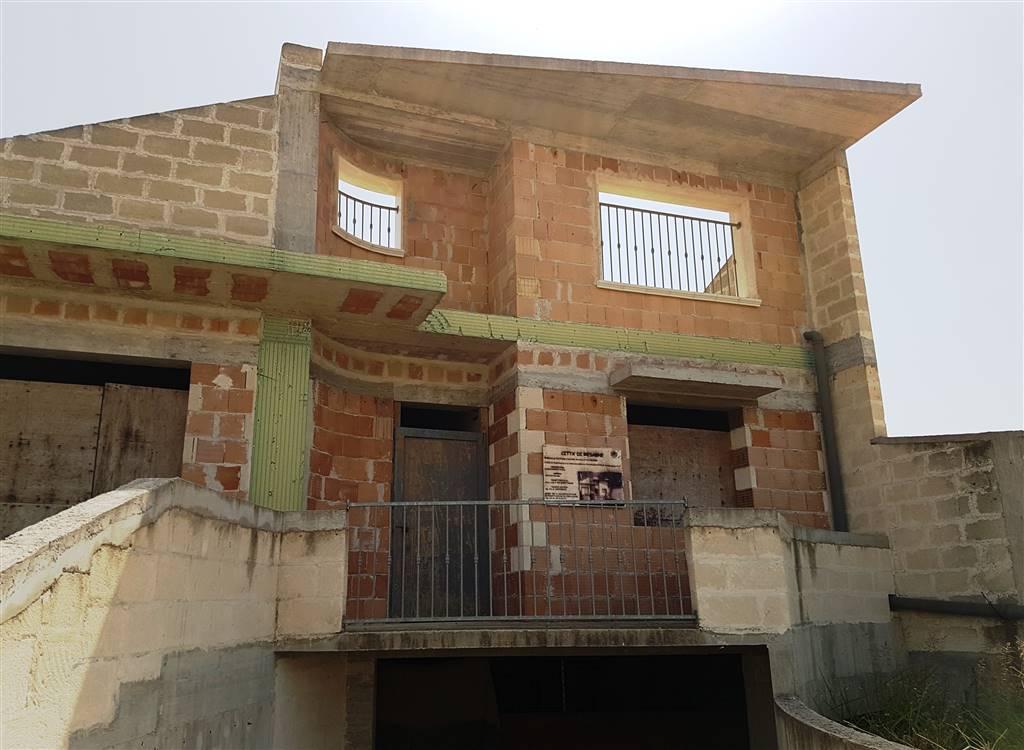 Vendita casa singola mesagne in nuova costruzione piano for Casa con 2 camere da letto con seminterrato finito in affitto