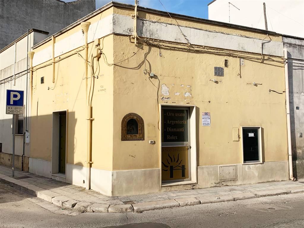 Attività / Licenza in affitto a Mesagne, 1 locali, zona Località: CENTRO, prezzo € 400 | CambioCasa.it