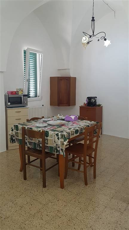 Soluzione Indipendente in affitto a Latiano, 5 locali, prezzo € 400 | CambioCasa.it