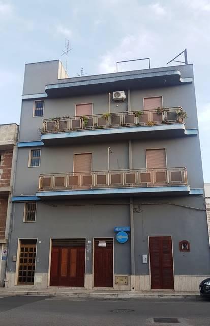 Appartamento in vendita a Mesagne, 5 locali, zona Località: VIA BRINDISI, prezzo € 75.000 | PortaleAgenzieImmobiliari.it