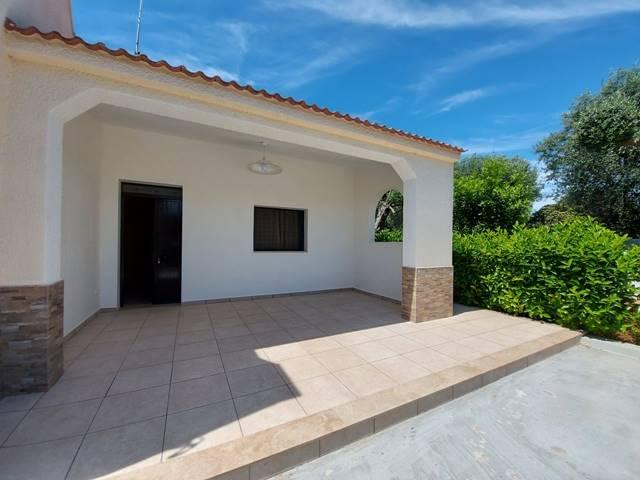 Villa in affitto a Mesagne, 4 locali, prezzo € 300   CambioCasa.it