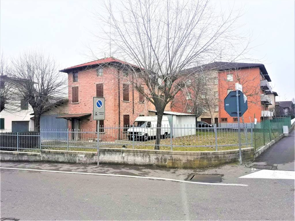 Detached house in MONTECCHIO EMILIA