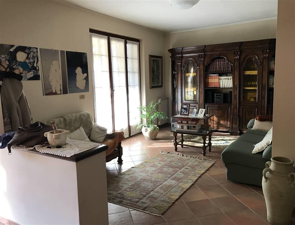 Villa Bifamiliare in vendita a Podenzana, 6 locali, zona Zona: Montedivalli, prezzo € 190.000   CambioCasa.it
