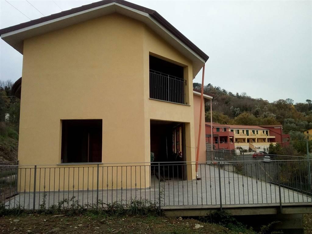Villa a Schiera in vendita a Aulla, 5 locali, zona Zona: Caprigliola, prezzo € 240.000 | CambioCasa.it