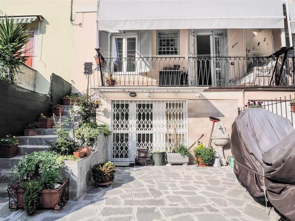 Appartamento in vendita a La Spezia, 4 locali, zona Zona: Montepertico, prezzo € 195.000   CambioCasa.it