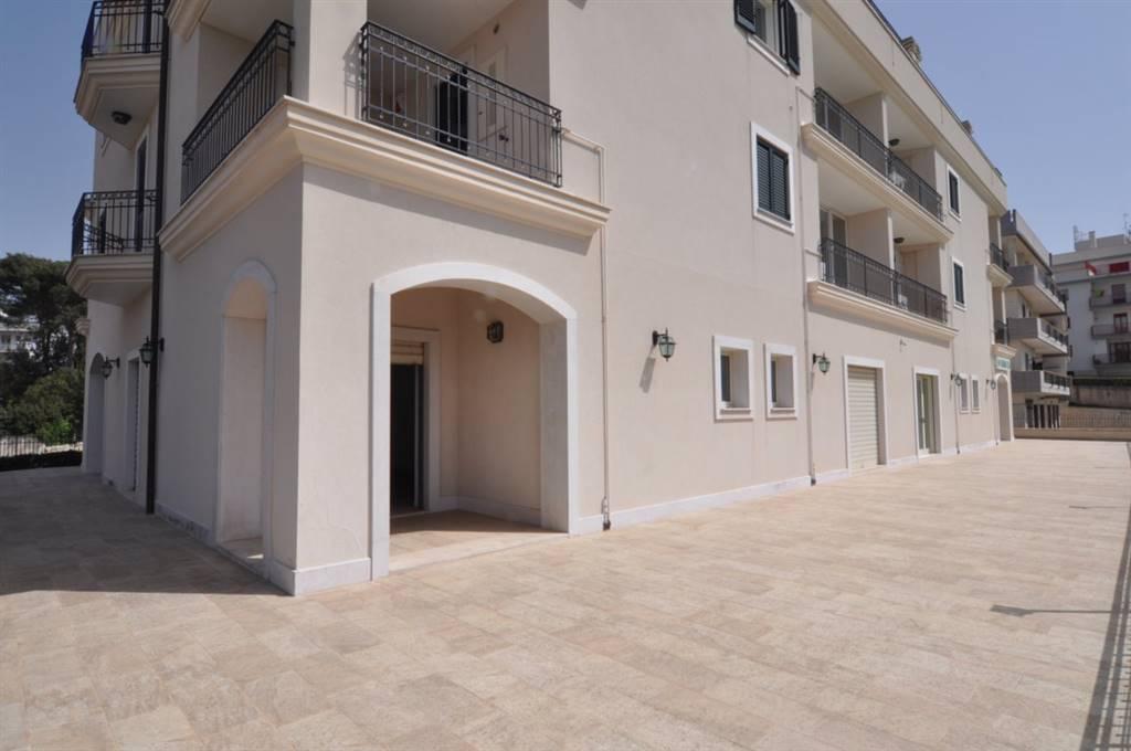 Attività / Licenza in affitto a Martina Franca, 9999 locali, prezzo € 1.800 | CambioCasa.it