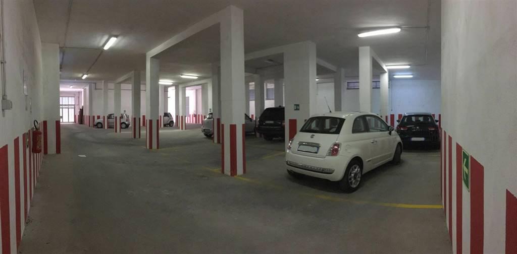 Box / Garage in vendita a Martina Franca, 1 locali, prezzo € 295.000 | CambioCasa.it