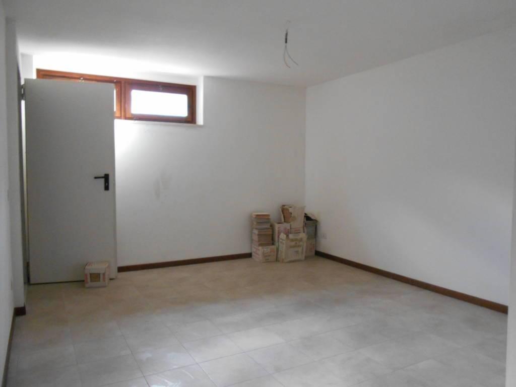 Vendita villa a schiera montepulciano seminuova piano for Garage autonomo
