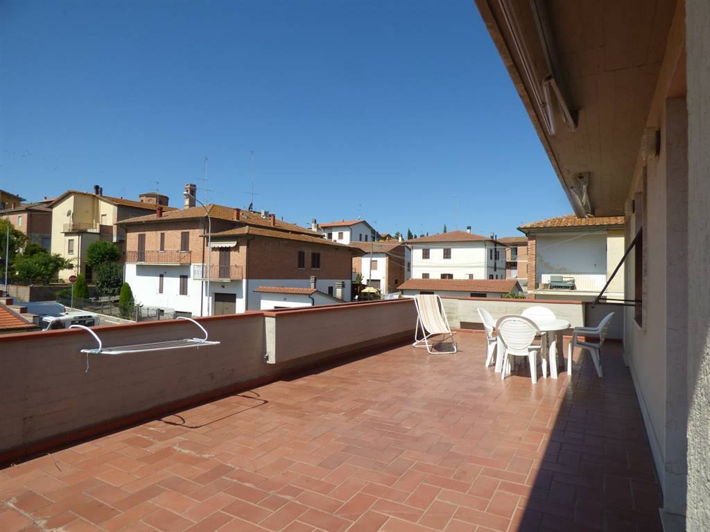 Vendita appartamento acquaviva montepulciano primo for Garage autonomo