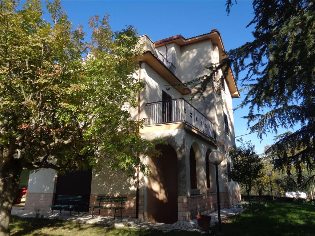 Villa in vendita a Civitella San Paolo, 6 locali, prezzo € 198.000 | CambioCasa.it
