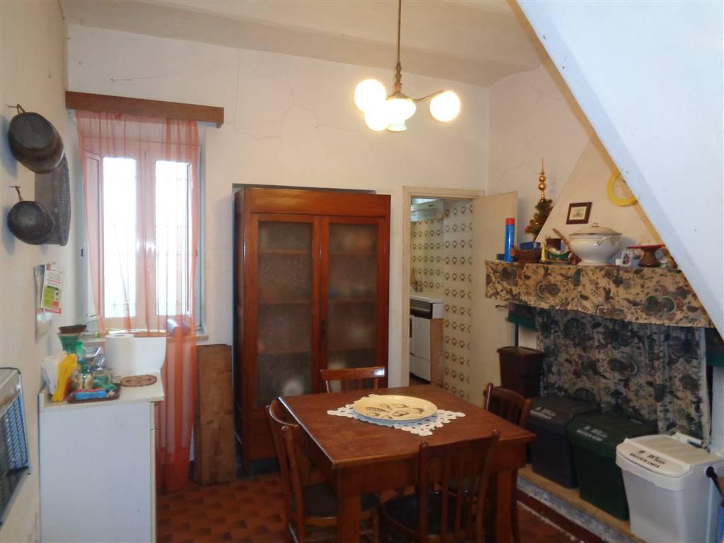 Appartamento in vendita a Torrita Tiberina, 4 locali, prezzo € 35.000 | CambioCasa.it