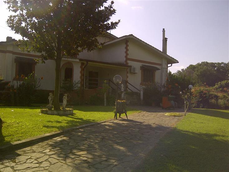 Soluzione Indipendente in affitto a Nazzano, 4 locali, prezzo € 490 | CambioCasa.it