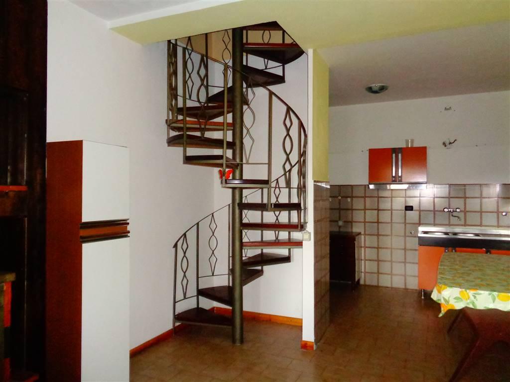 Appartamento in vendita a Sant'Oreste, 4 locali, prezzo € 70.000 | CambioCasa.it