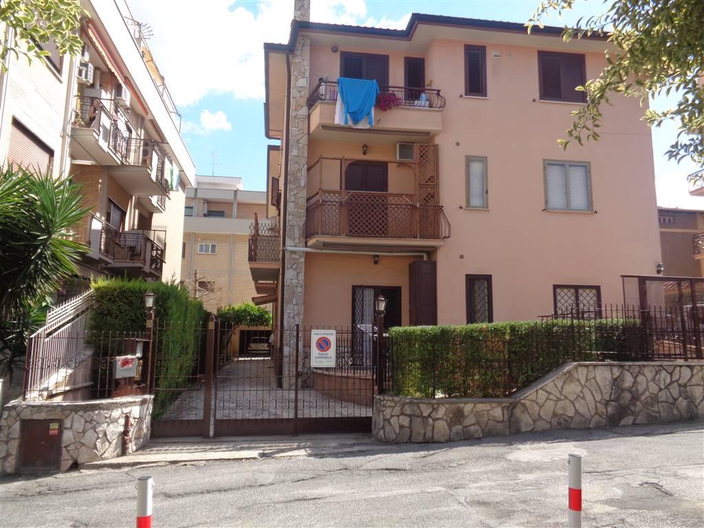 Trilocale in Via Panaro 21, Monterotondo