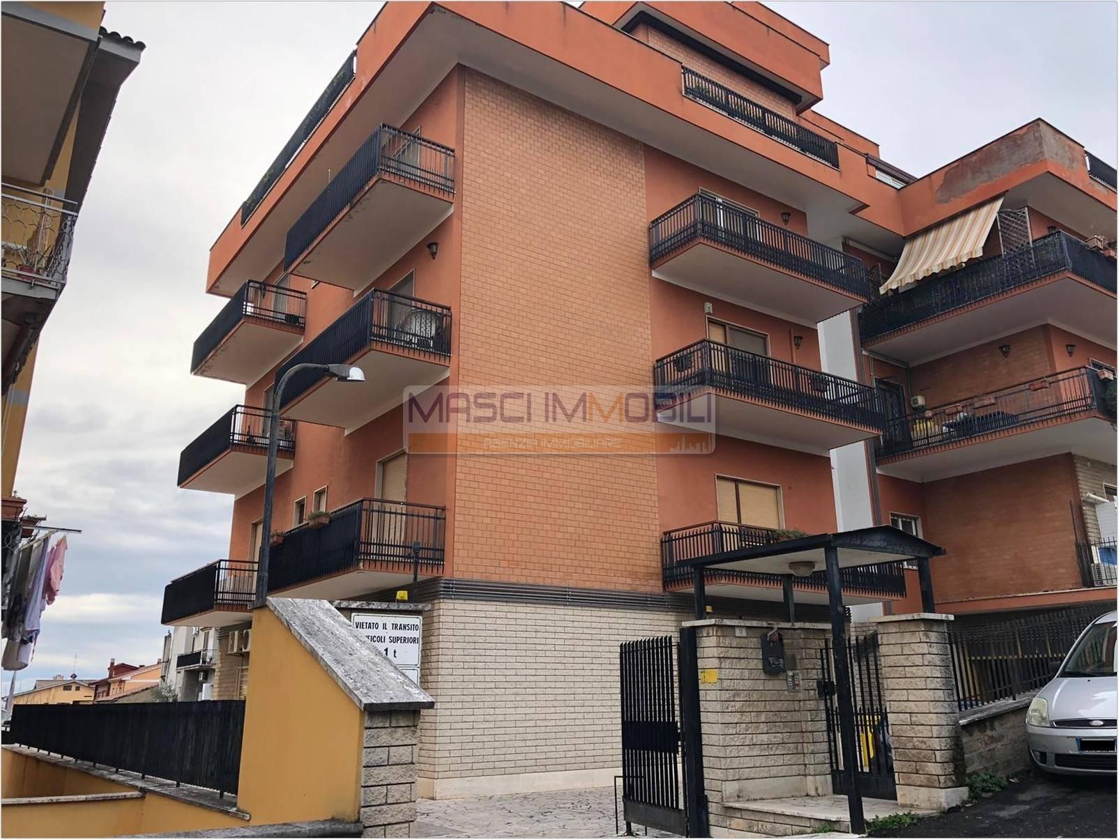 Appartamento in vendita a Riano, 3 locali, zona Zona: La Rosta, prezzo € 109.000 | CambioCasa.it