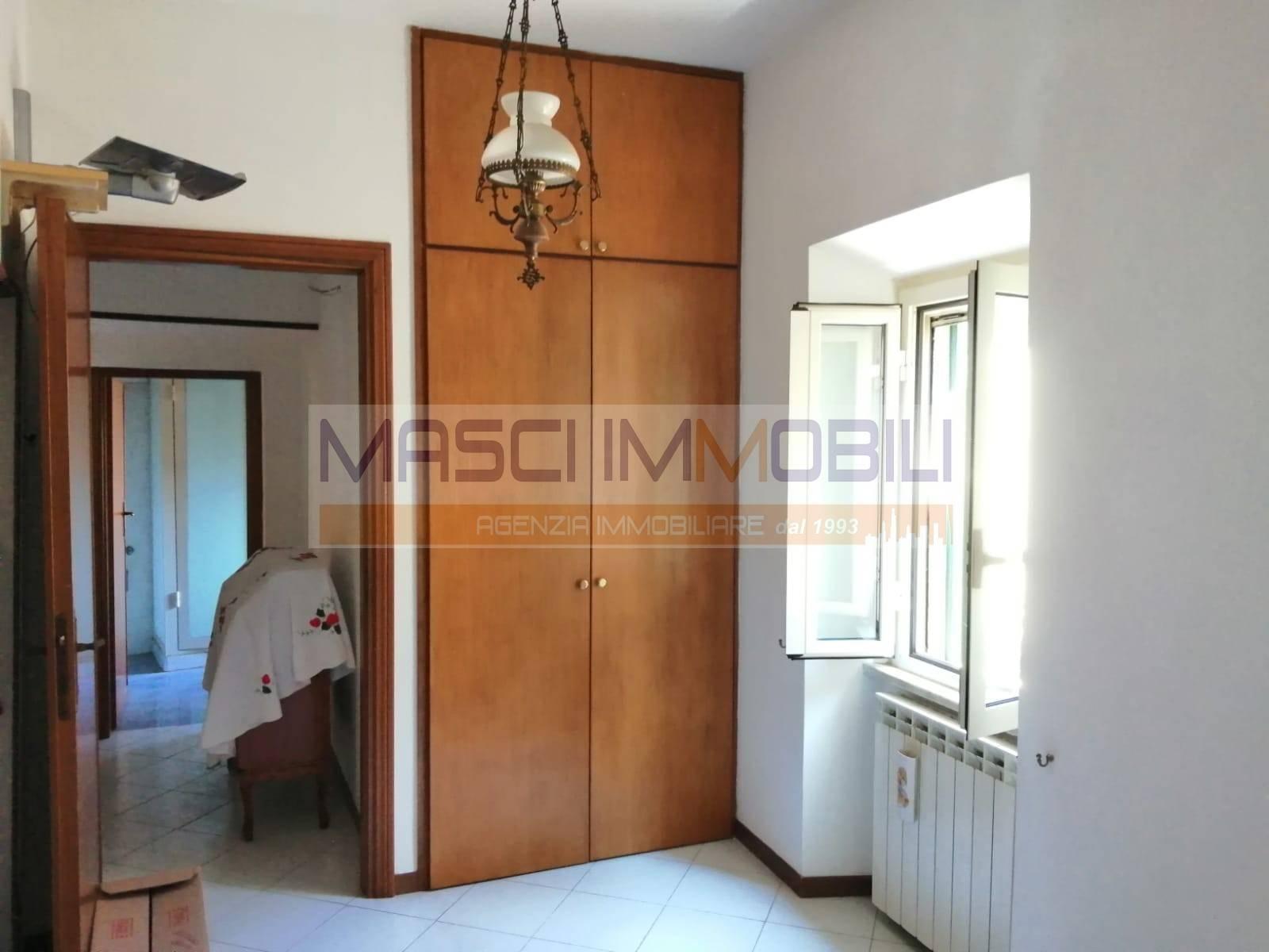 Appartamento in vendita a Civitella San Paolo, 3 locali, prezzo € 27.000   CambioCasa.it