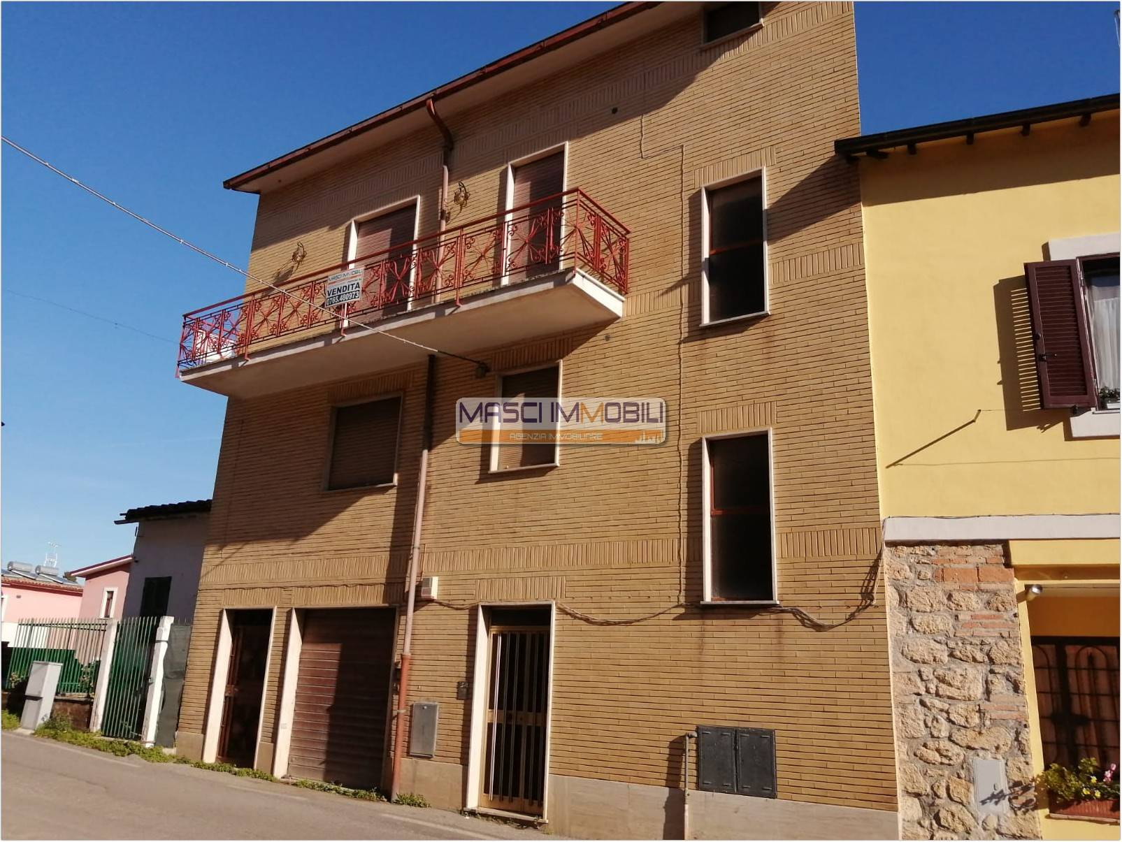 Appartamento in vendita a Civitella San Paolo, 4 locali, prezzo € 45.000   CambioCasa.it