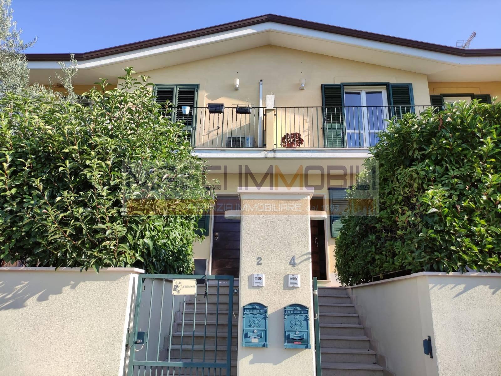 Villa a Schiera in vendita a Nerola, 4 locali, zona Zona: Acquaviva, prezzo € 130.000 | CambioCasa.it