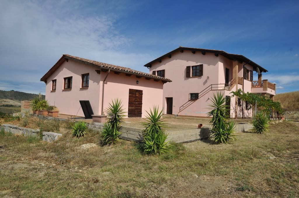 Azienda agricola, Granaione, Campagnatico, in ottime condizioni