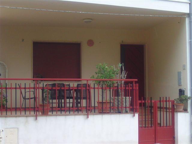 Soluzione Indipendente in affitto a Sannicola, 6 locali, zona Località: CHIESANUOVA, Trattative riservate   CambioCasa.it