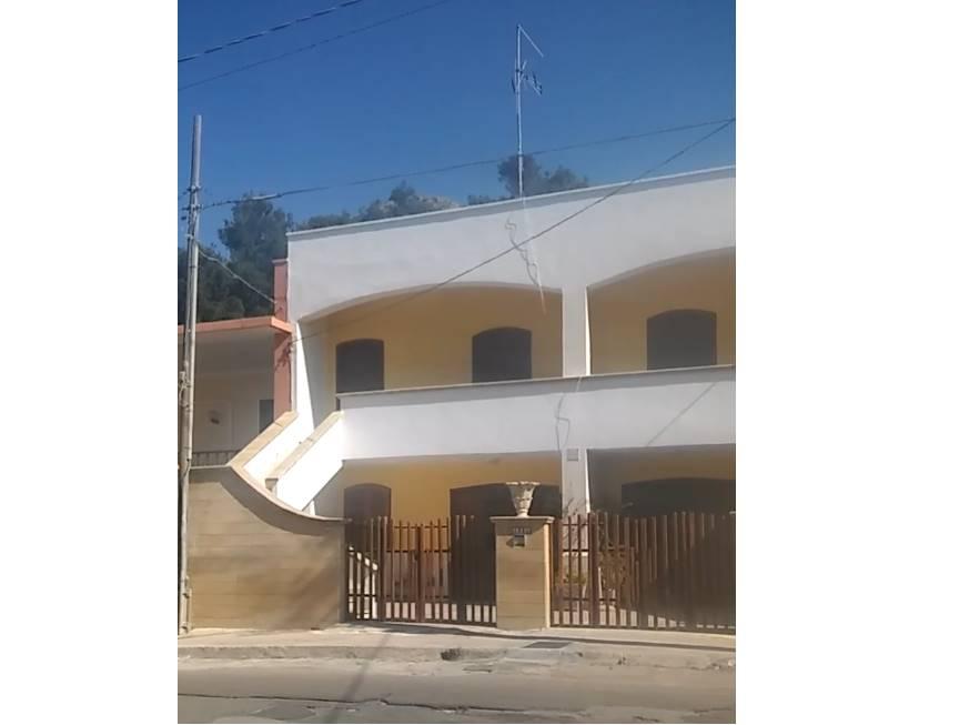Villa Bifamiliare in affitto a Gallipoli, 4 locali, zona Località: LIDO CONCHIGLIE, Trattative riservate | CambioCasa.it