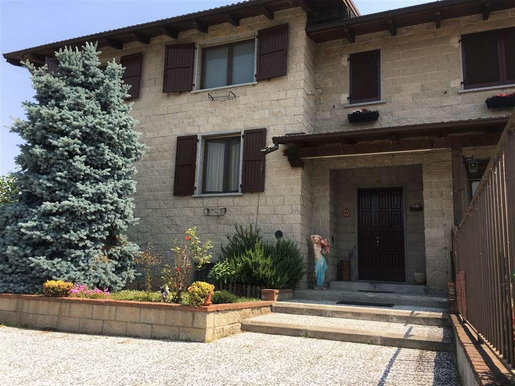 Villa Bifamiliare in vendita a Roncaro, 4 locali, prezzo € 205.000 | CambioCasa.it