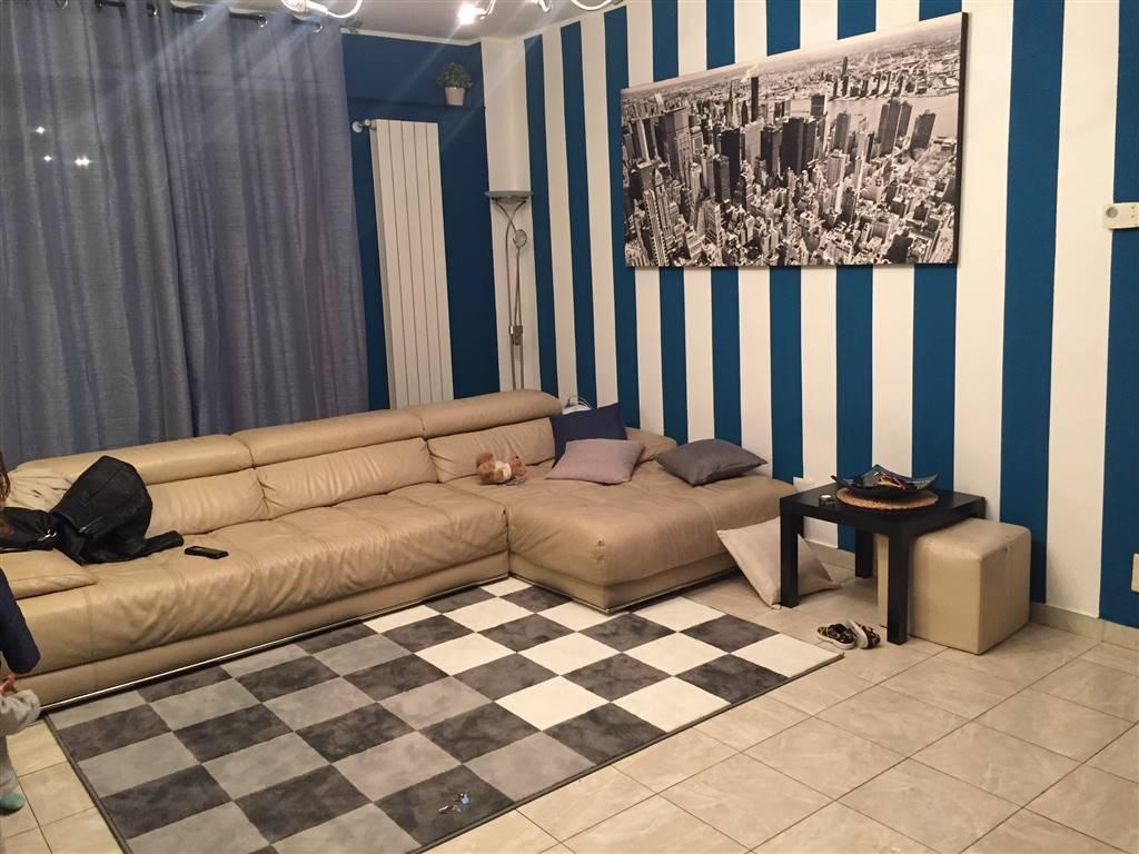 Appartamento in vendita a Pieve Emanuele, 4 locali, zona Località: FAUSTO COPPI, prezzo € 195.000 | CambioCasa.it