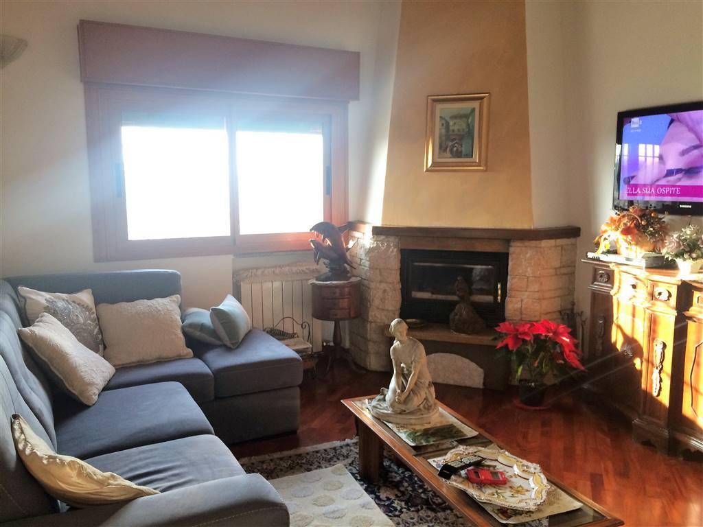 Appartamento in vendita a Lacchiarella, 3 locali, prezzo € 236.000 | CambioCasa.it