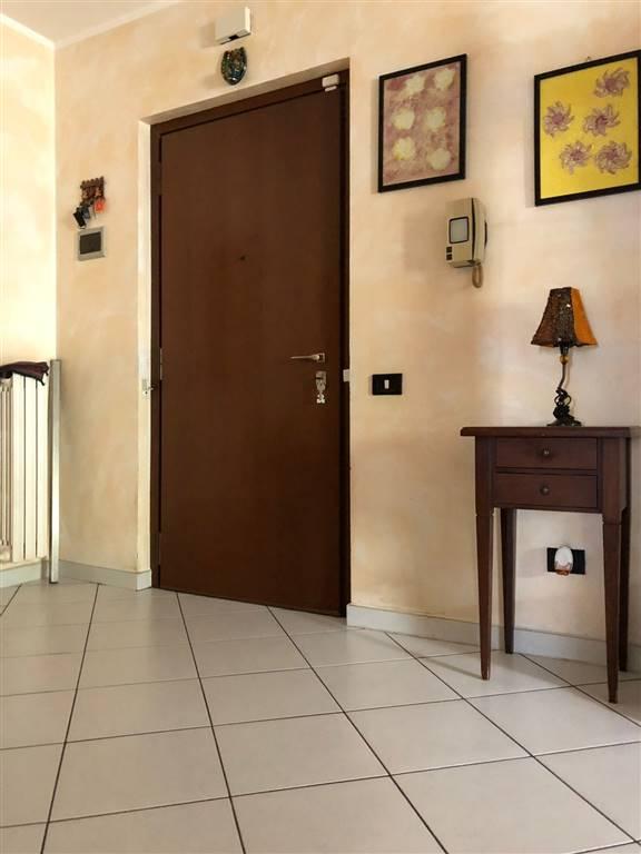 Appartamento in vendita a Pieve Emanuele, 3 locali, prezzo € 155.000 | CambioCasa.it