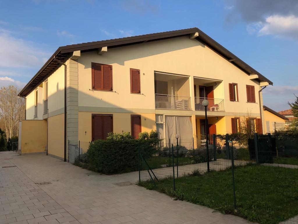 Appartamento in affitto a Roncaro, 2 locali, prezzo € 450   CambioCasa.it