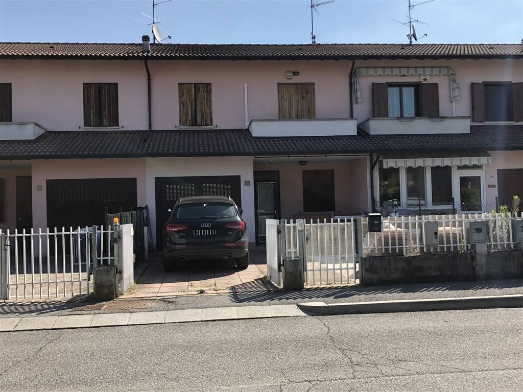 Quadrilocale in Via Padre Marcolini, Bascape'
