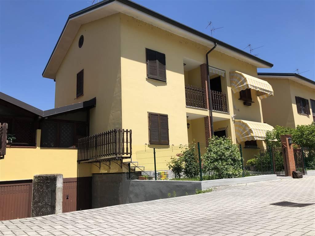 Villa a schiera in Via Fratelli Rosselli  3, Giussago