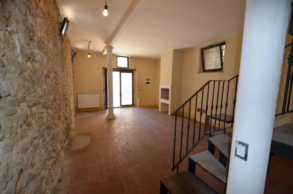 Soluzione Semindipendente in vendita a Ponzano Romano, 6 locali, prezzo € 48.000 | CambioCasa.it