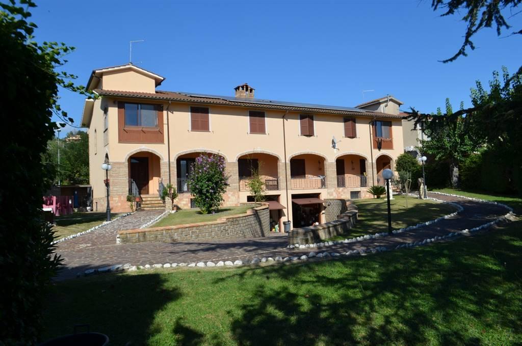 Villa in vendita a Collevecchio, 16 locali, zona Zona: Poggio Sommavilla, prezzo € 480.000 | CambioCasa.it