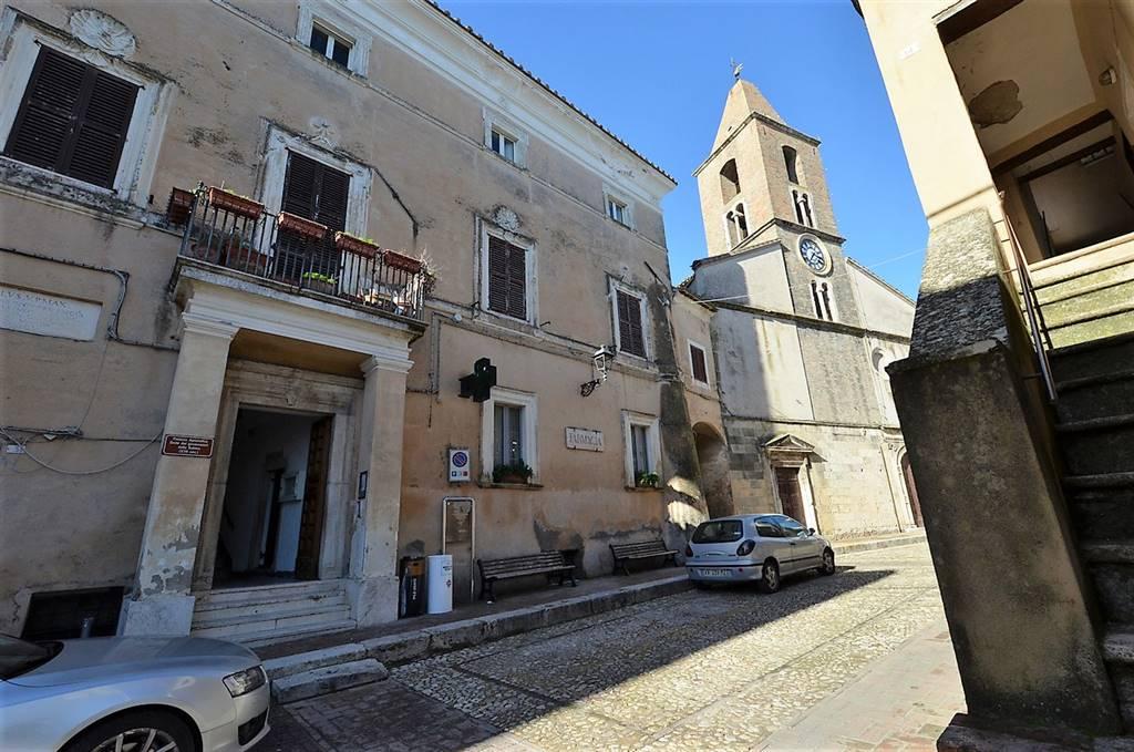 Appartamento in vendita a Collevecchio, 6 locali, prezzo € 100.000 | CambioCasa.it