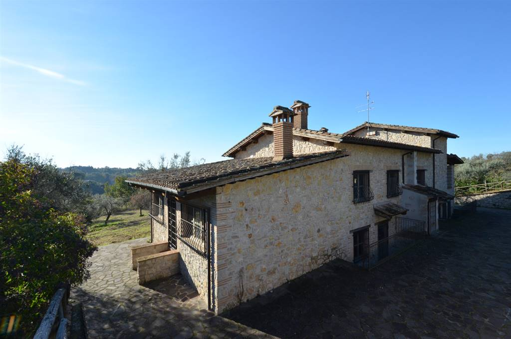 TARANO, Farmhouse for sale of 240 Sq. mt., Excellent Condition, Heating Individual heating system, Energetic class: G, placed at Basement on 1,