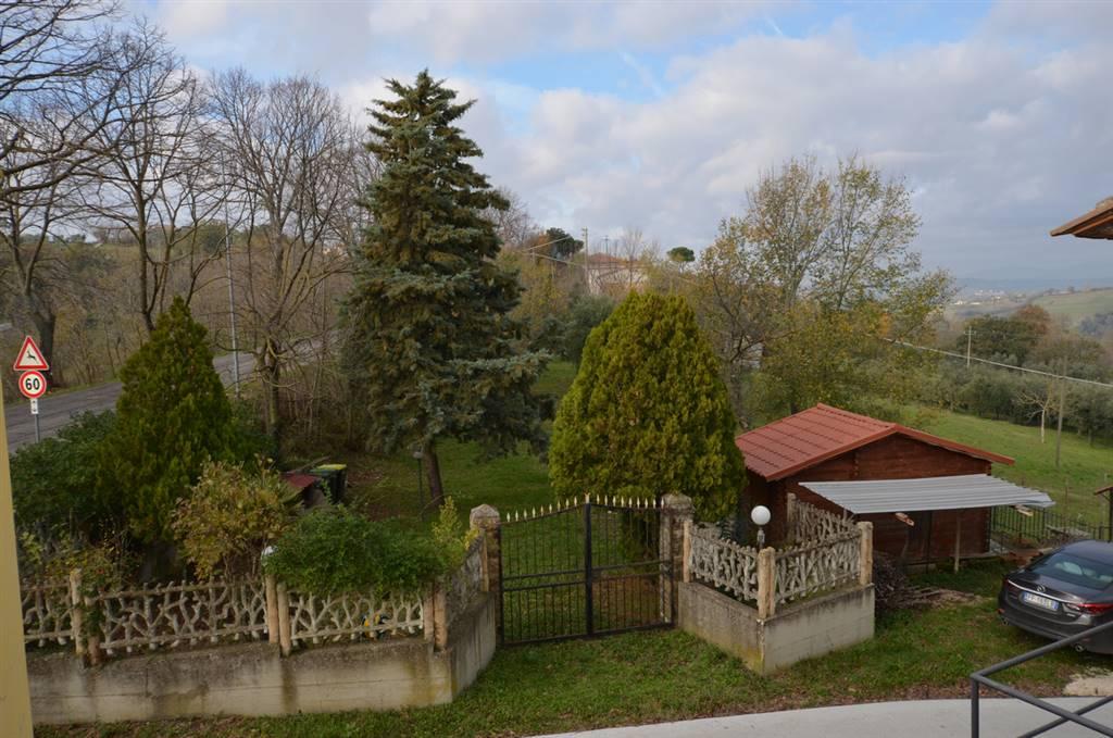 Calvi dell'Umbria - Nella fraz di Santa Maria della Neve proponiamo in vendita porzione di fabbricato cielo terra di ca. 120 mq catastali con ampio