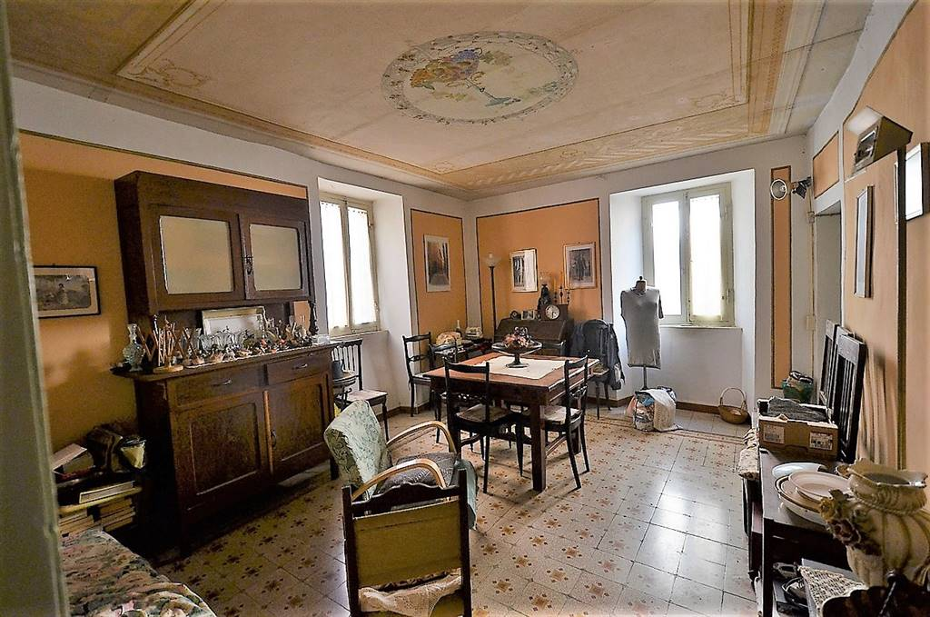 MONTEBUONO, terraced house for sale of 200 Sq. mt., Be restored, Heating Non-existent, Energetic class: G, placed at Ground on 3, composed by: 8
