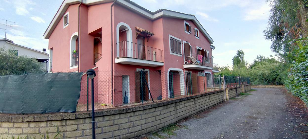 STIMIGLIANO SCALO, STIMIGLIANO, Apartment for sale of 66 Sq. mt., Energetic class: G, composed by: 3.5 Rooms, 2 Bedrooms, 1 Bathroom, Parking space,